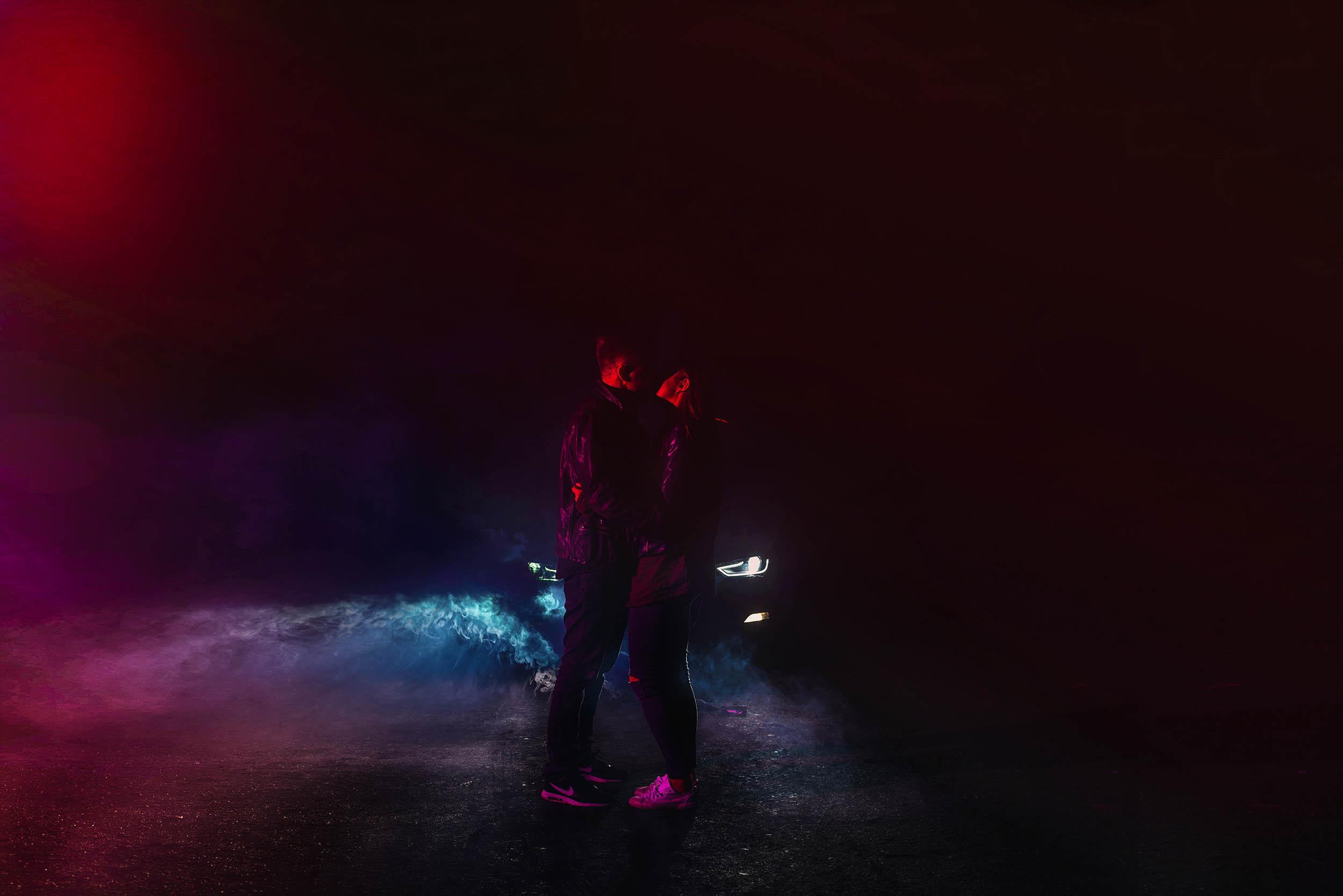 Kiss in the smoke